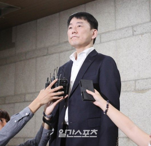 Lee Jang-seok, a former Heroes representative, confirmed permanent disqualification ... Reduced 600 million won